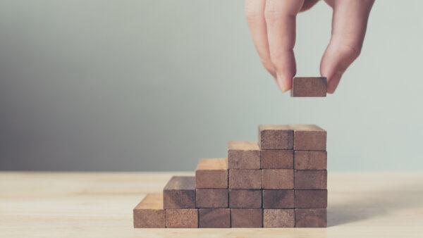 10eqs-growth-strategies-business-insights